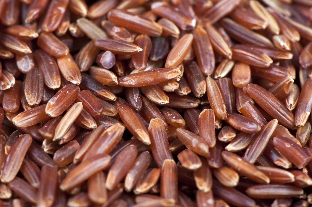 arroz rojo: beneficios y contraindicaciones