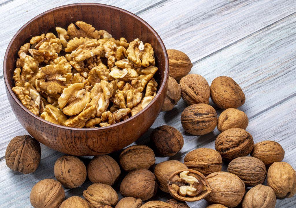 Beneficios de comer nueces por la noche
