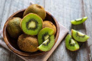 beneficios del kiwi